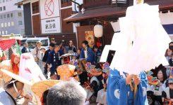 春祭り 神楽 神輿